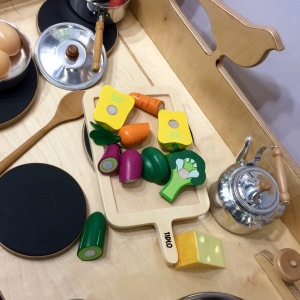 wooden-vegetable-cutting-set-childcare-expo